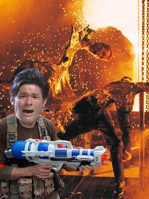 照英が泣きながら液体金属のターミネーターに水鉄砲を打って致命傷を負わせている画像ください